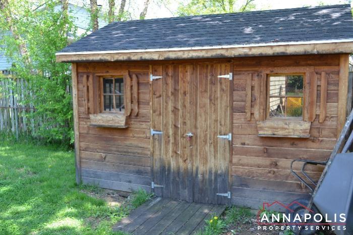 1661 Sham Court -storage shed.jpg