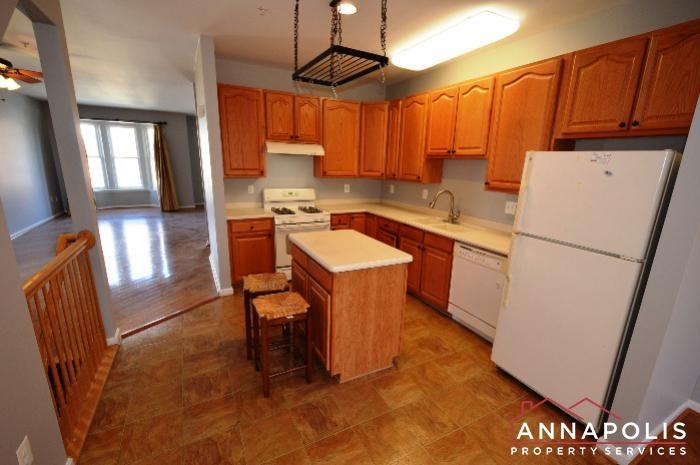 209 Braxton Way-Kitchen bn.JPG