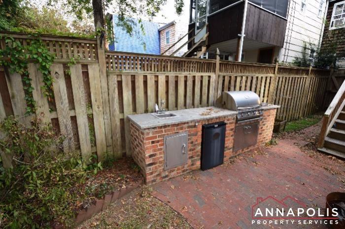 29 Dean Street-Back yard an.JPG