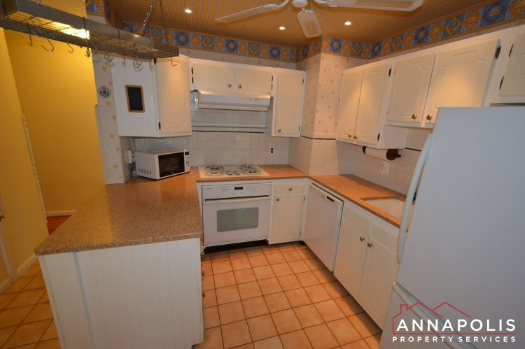 1908 Dulaney Place-Kitchen acn.JPG