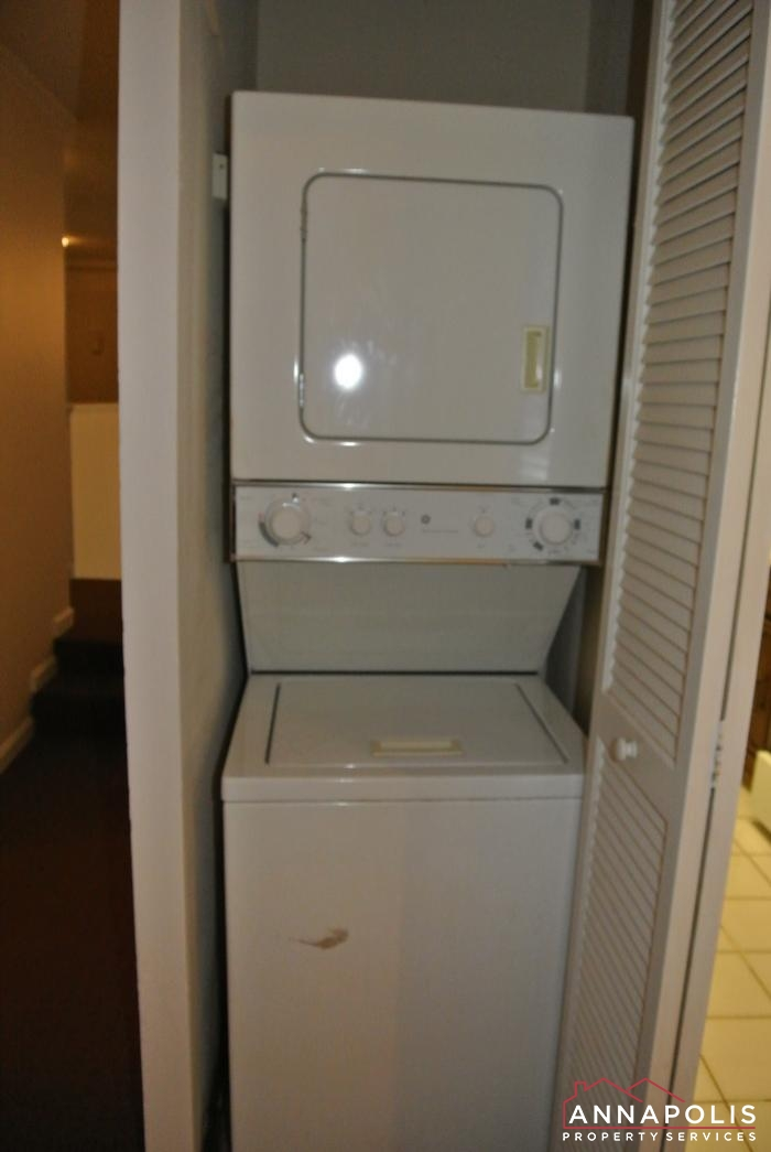 17 Silverwood Circle #2-washer and dryer.JPG