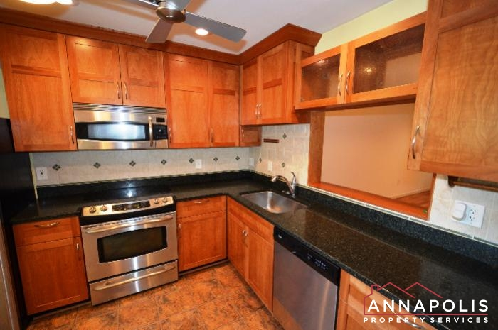 40 Rockwell Court-kitchen cn.JPG