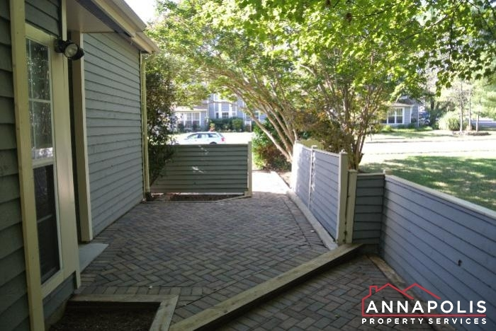 906 Windwhisper Lane-patio.JPG