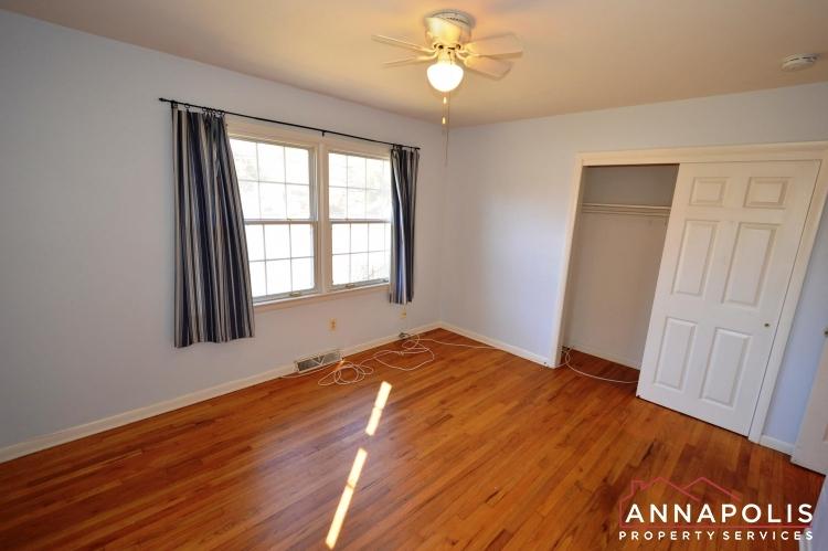 423 Hillsmere Drive -Bedroom 1bn.JPG