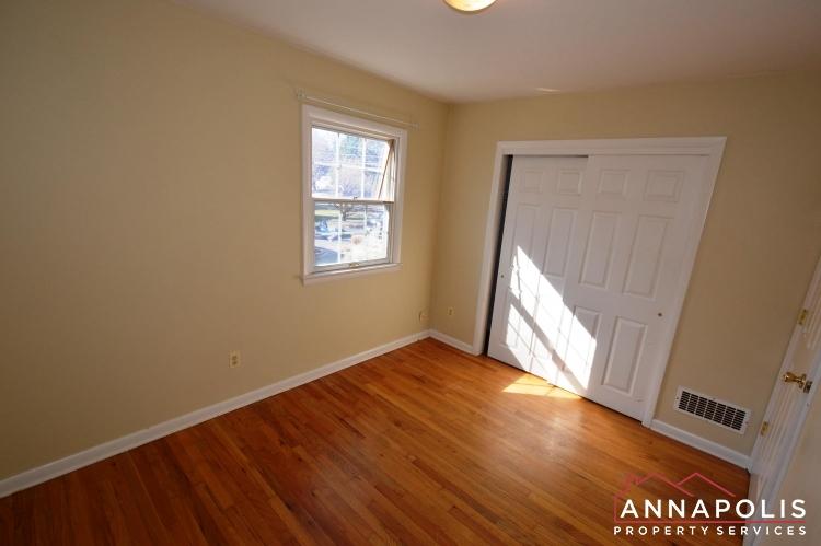 423 Hillsmere Drive -Bedroom 2bn.JPG
