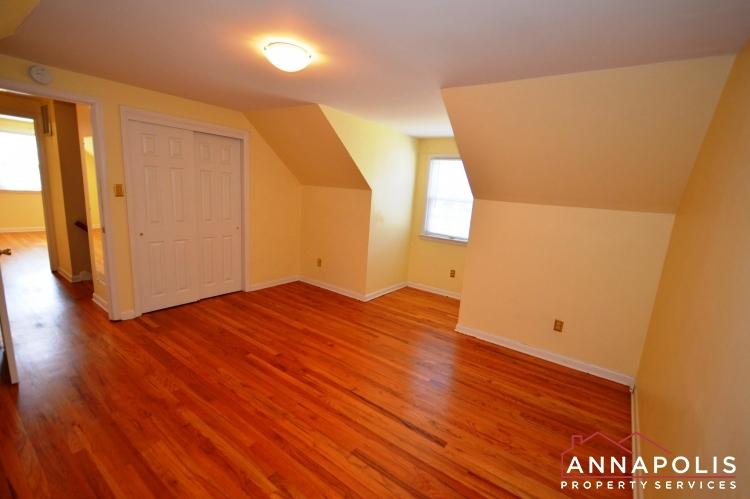 423 Hillsmere Drive -Bedroom 3bn.JPG