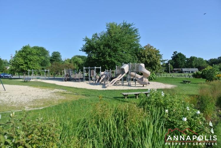 423 Hillsmere Drive -community play area.JPG