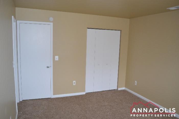 40J Hearthstone Court -Bedroom 2b.JPG