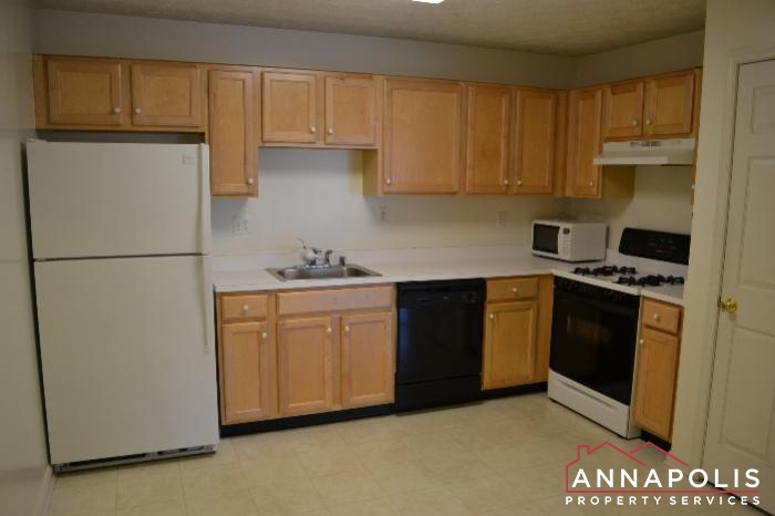 40E Ironstone Court-kitchen a.JPG