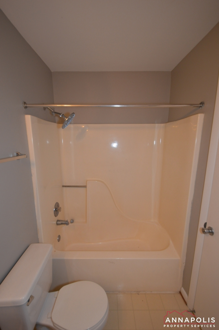 30I Hearthstone Court -Bathroom 2cn.JPG