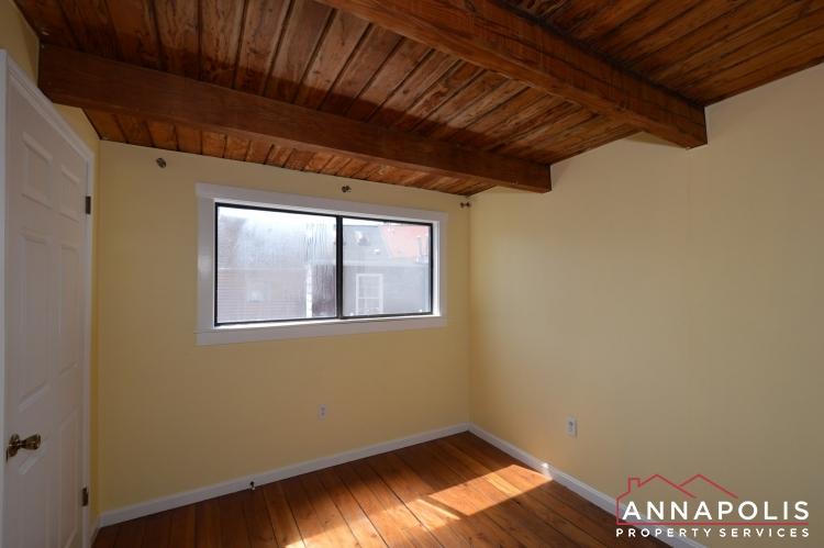 39 Pinkney Street-Bedroom1A.JPG