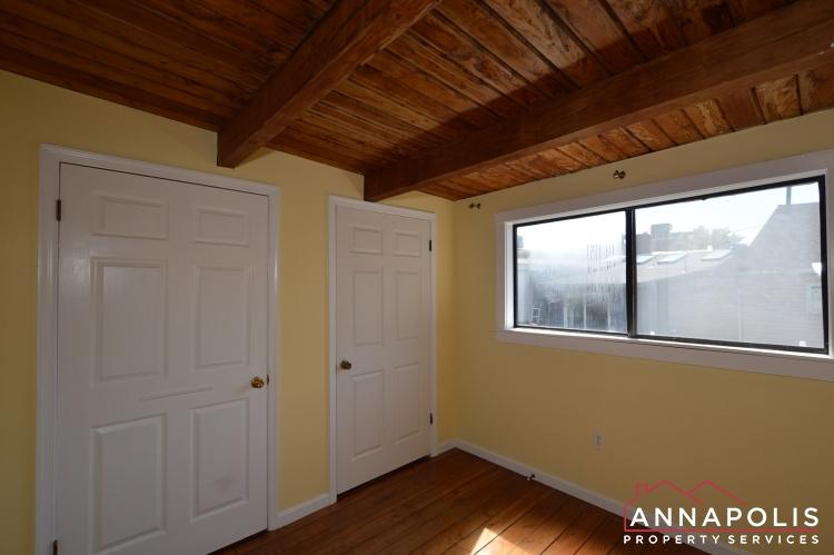 39 Pinkney Street-Bedroom1C.JPG