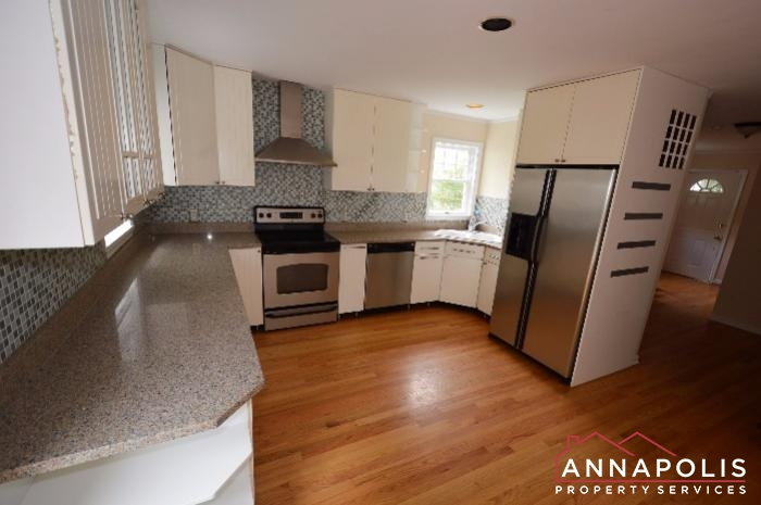 3 Constitution Ave-kitchen bn.JPG