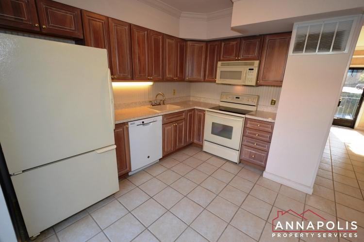 310 Burnside Street-Kitchen ann.JPG