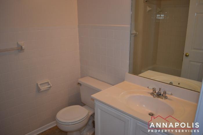 704 Orchard Overlook # 202 -Bathroom 1a.JPG