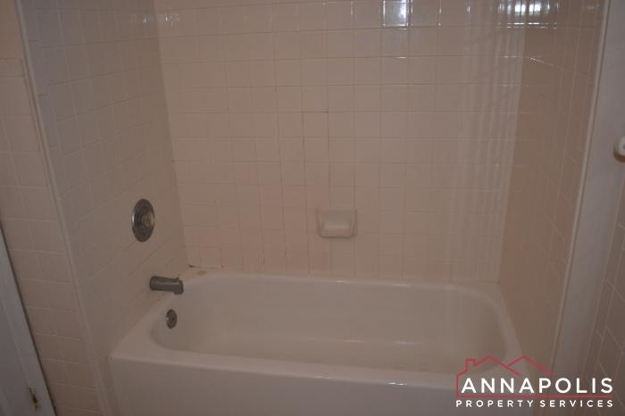 704 Orchard Overlook # 202 -Bathroom 1b.JPG