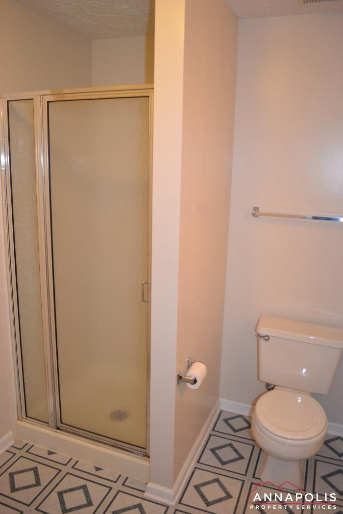 704 Orchard Overlook # 202 -Bathroom 2b.JPG