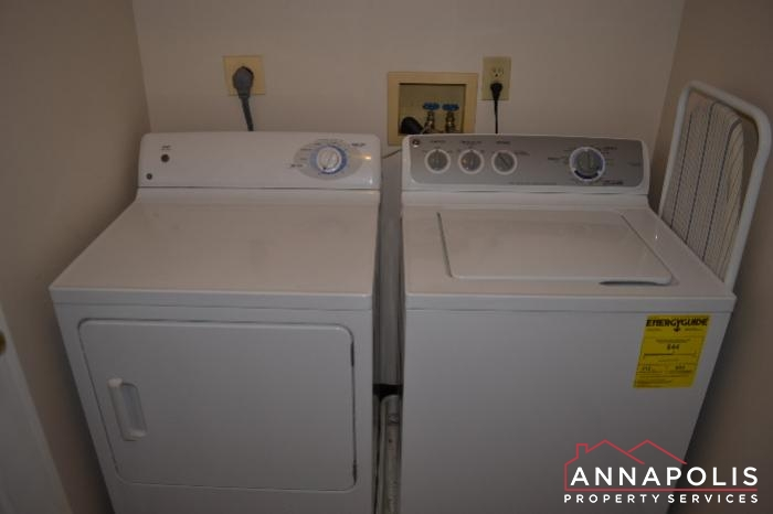 704 Orchard Overlook # 202 -washer and dryer.JPG