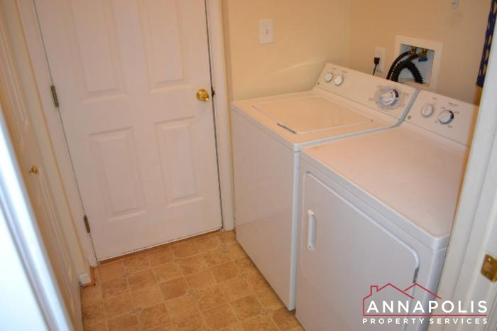 2422 Knapps Way-washer and dryer.JPG
