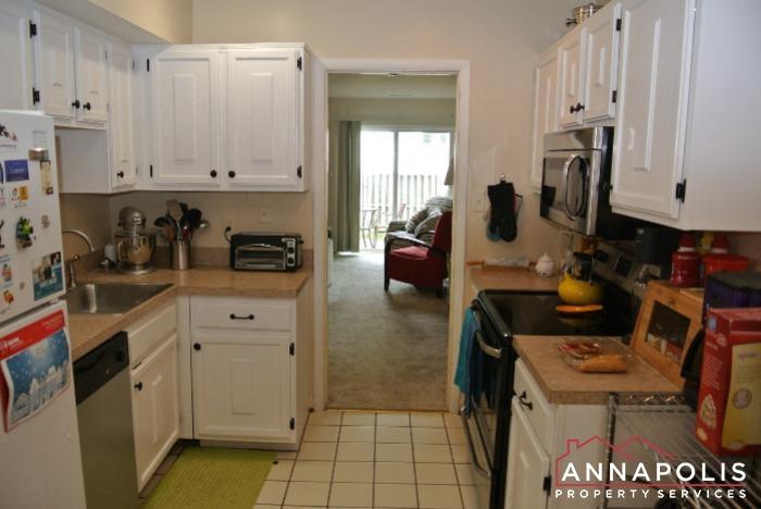 1200 G Gemini Drive-kitchen a.JPG