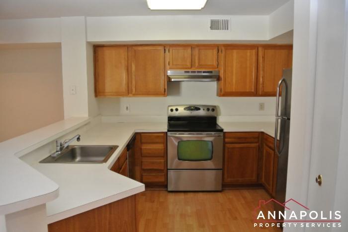 50K Sandstone Ct-kitchen a.JPG