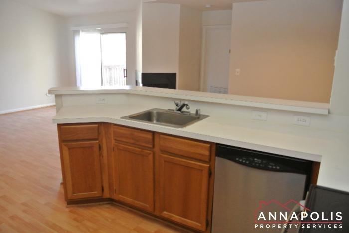 50K Sandstone Ct-kitchen c.JPG