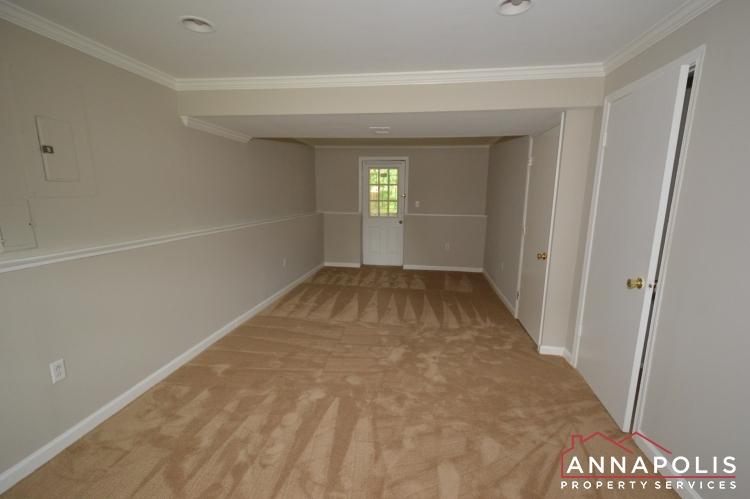 1426 Regent Street -Family room bnn.JPG