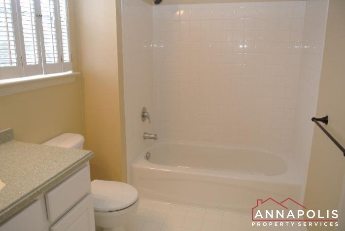 805 Latchmere Court -Master bath a.JPG