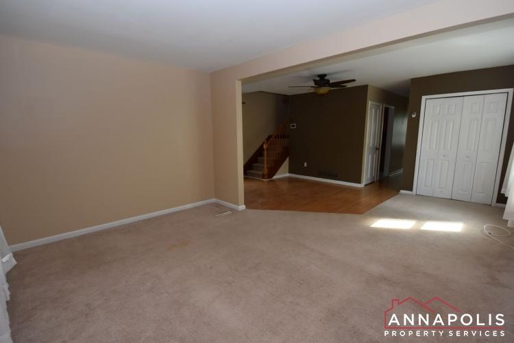 509 Westminister Road -Living Room 1bn.JPG