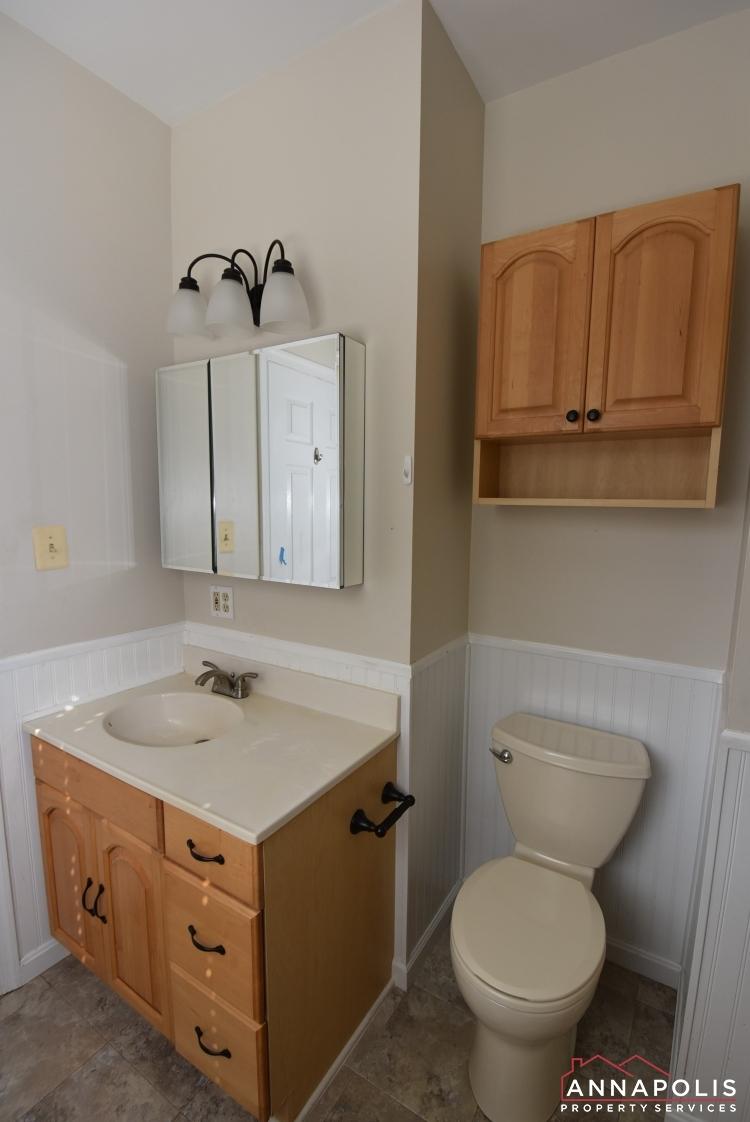 509 Westminister Road -Master Bathroom 1bn.JPG