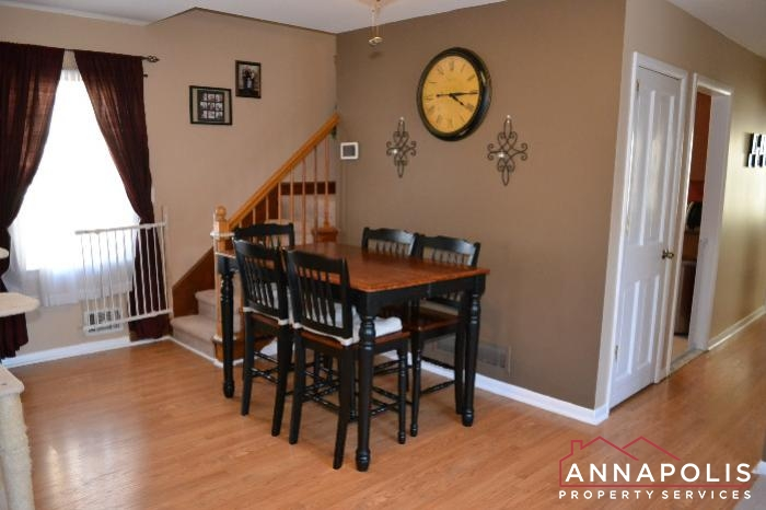 509 Westminister Road -dining a.JPG