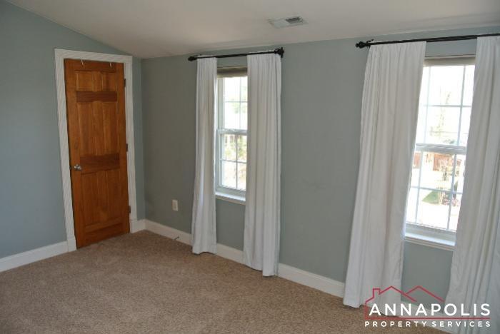 307 Glen Ave-bedroom 2cn.JPG
