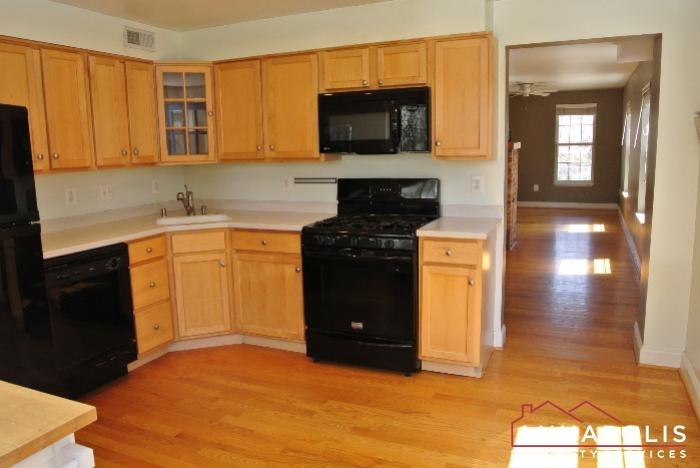 307 Glen Ave-kitchen dn.JPG