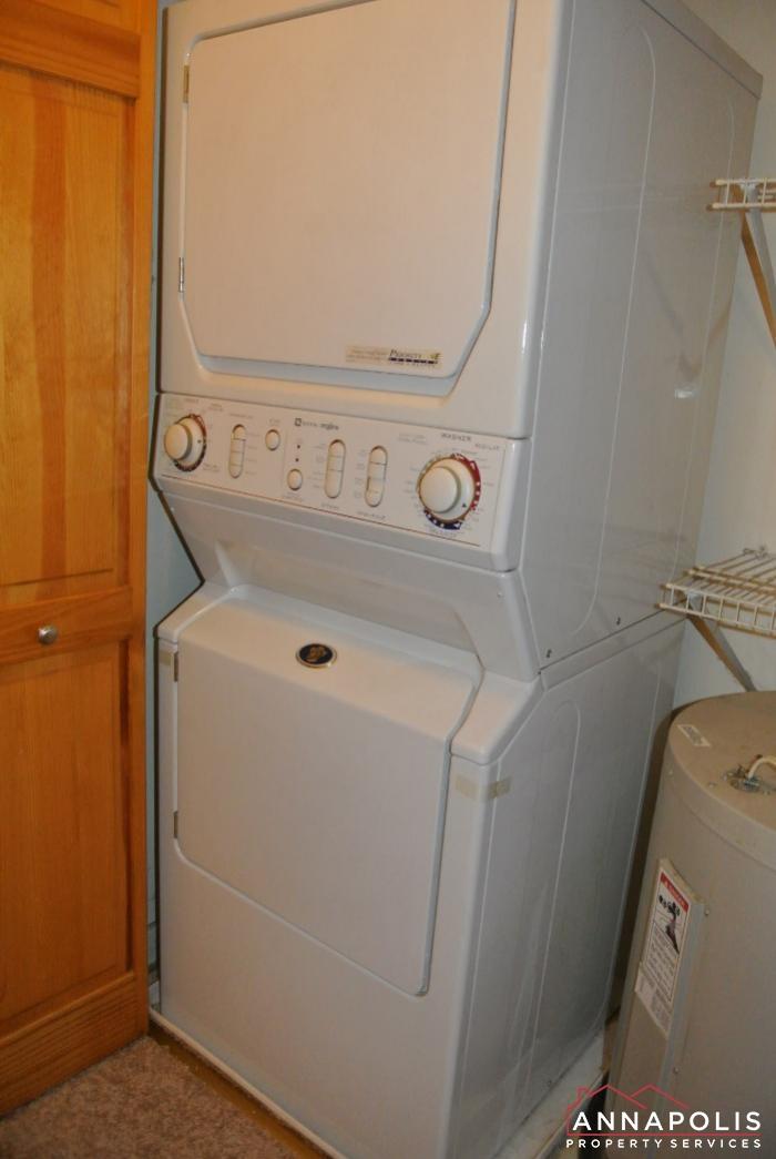 307 Glen Ave-washer and dryer.JPG