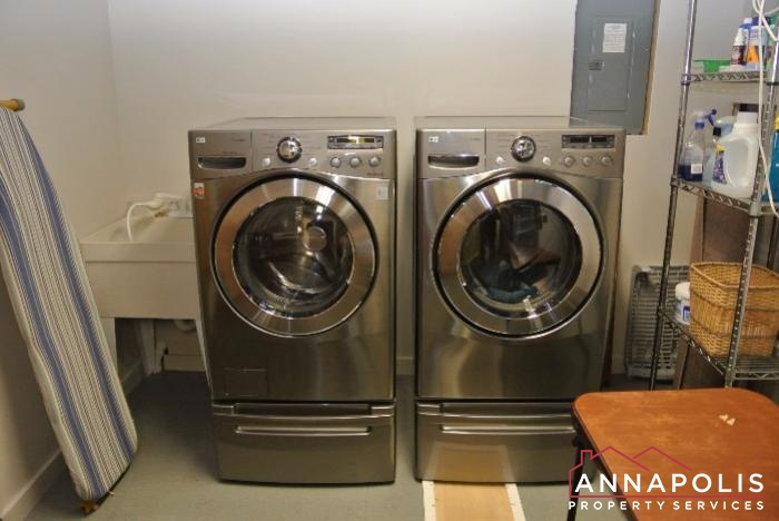 2831 Seasons Way-washer and dryer.JPG