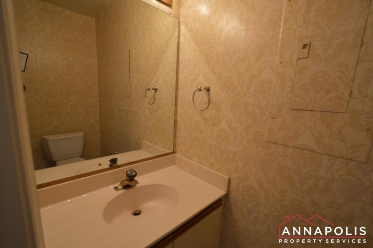 977 Breakwater Drive-Powder room an.JPG