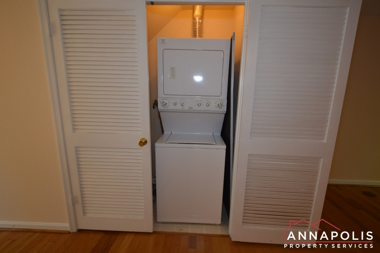 977 Breakwater Drive-Washer and dryer an.JPG