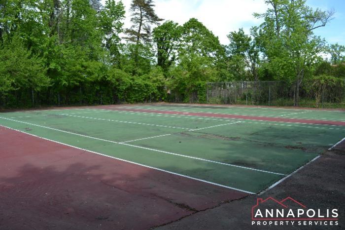 206 E Victor Parkway-Tennis a.JPG