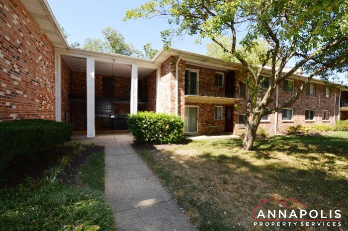 206 Victor Parkway # E-Front a.JPG