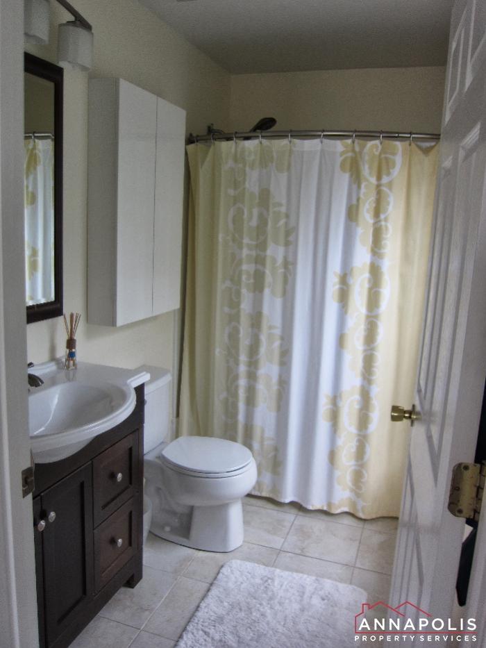 2016 Gov Thomas Bladen Way #204-bathroom 1a.JPG