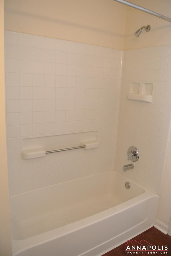 653 Burtons Cove Way #7-bathroom 2b.JPG