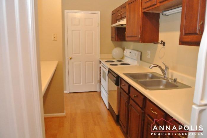 616 Southern Hills Drive -kitchen c.JPG