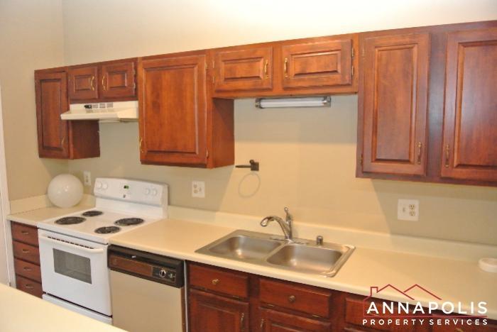 616 Southern Hills Drive -kitchen d.JPG