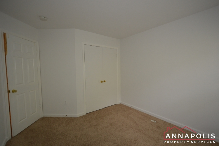 988 Breakwater Drive-Bedroom 2bnn.JPG