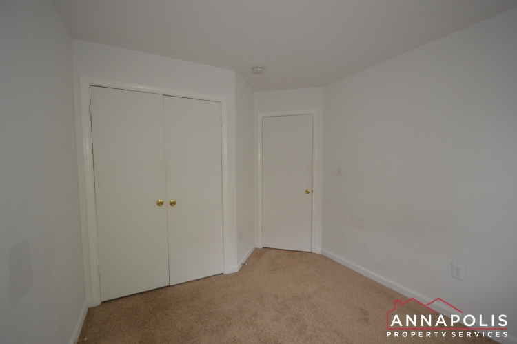988 Breakwater Drive-Bedroom 3bnn.JPG