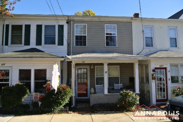 125 Eastern Ave-Front a.JPG