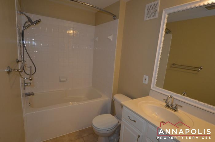 2159 Scotts Crossing #001-master bath a.JPG