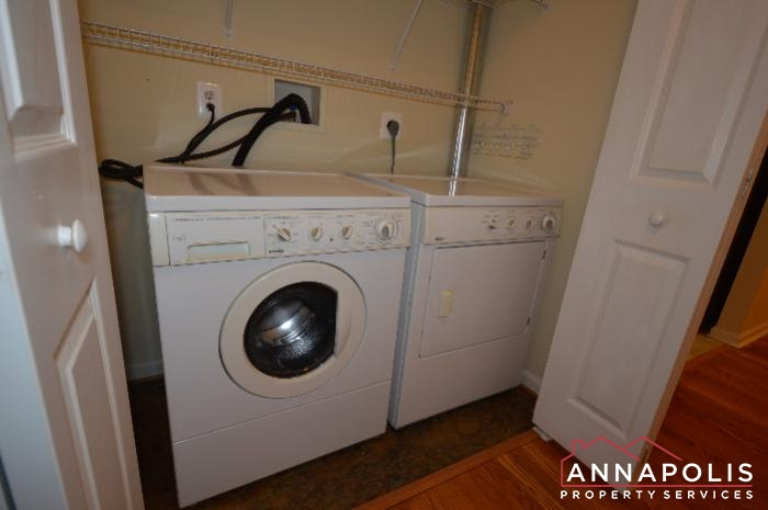 2159 Scotts Crossing #001-washer and dryer.JPG