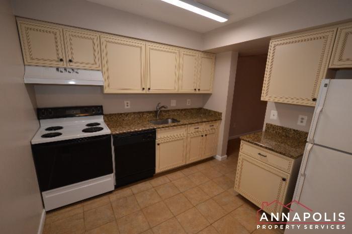 448 Knottwood Court-kitchen b.JPG