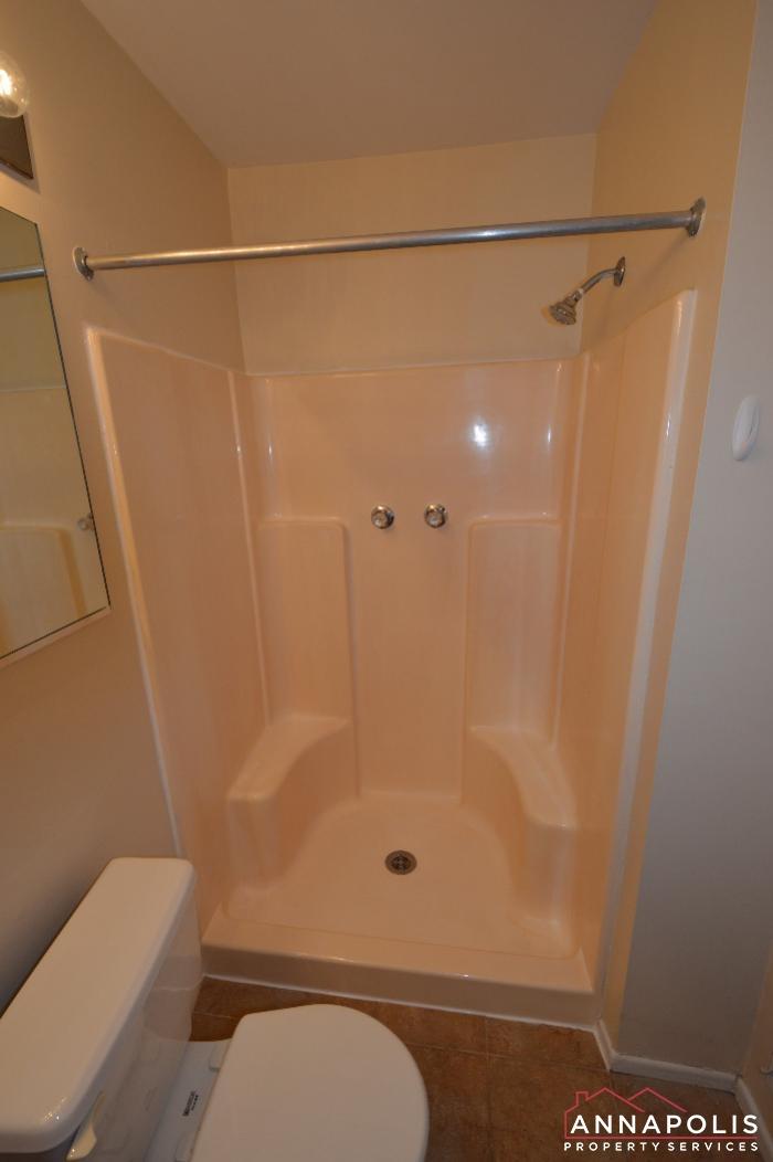 448 Knottwood Court-master bath b.JPG
